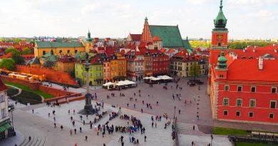 Βαρσοβία: H πόλη που αναγεννήθηκε από τις στάχτες της